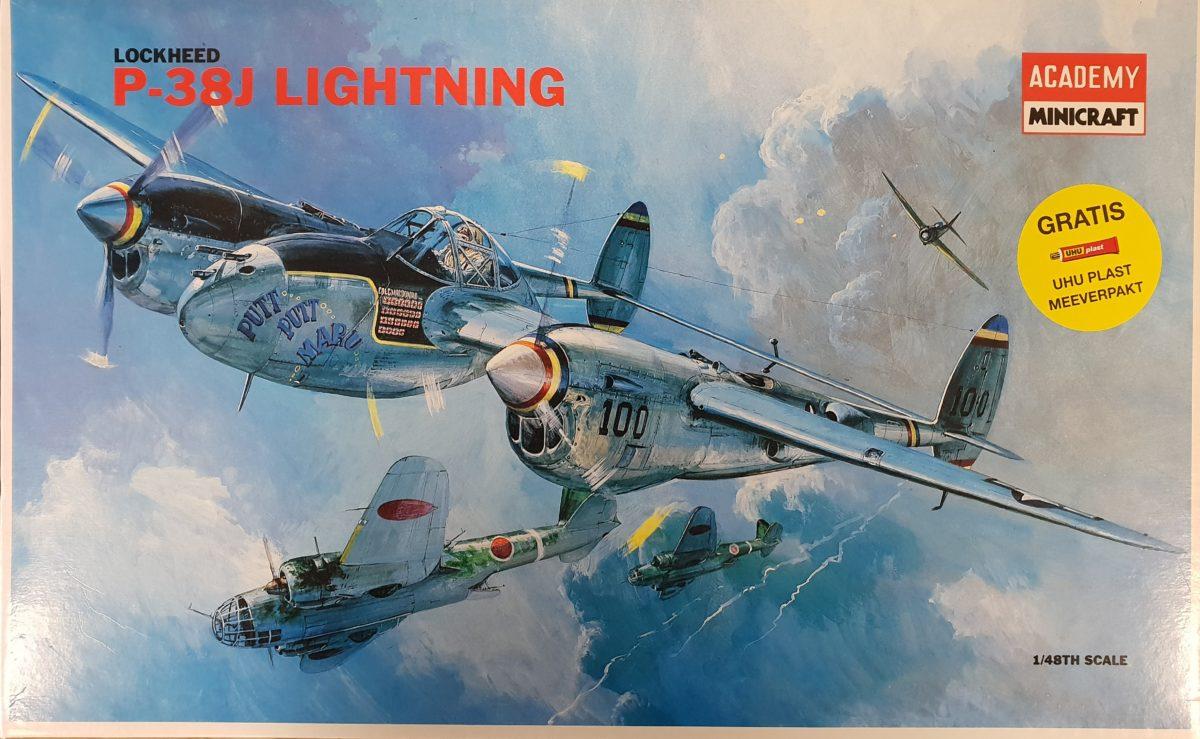 Academy 2126 Lockheed P-38J Lightning